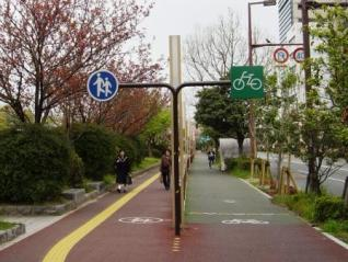 明治通りの自転車走行空間